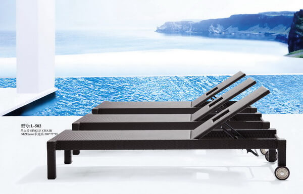 Classical-Moveable-Outdoor-Chaise-Lounge-Pool-Side